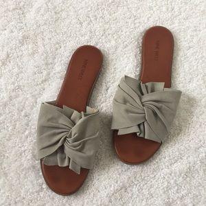 Gray Knot Slides
